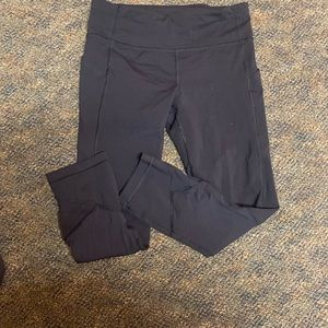 Women's Lululemon cropped leggings